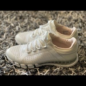 Shoes - Stella McCartney x Adidas limited sneaker size 7.5